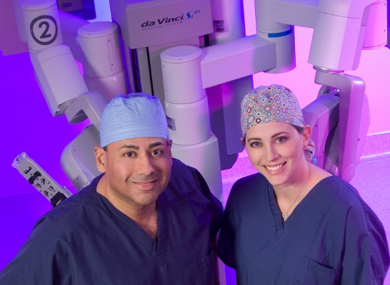 da Vinci Robotic Surgery performed by Drs. John and Ingrid Reyes